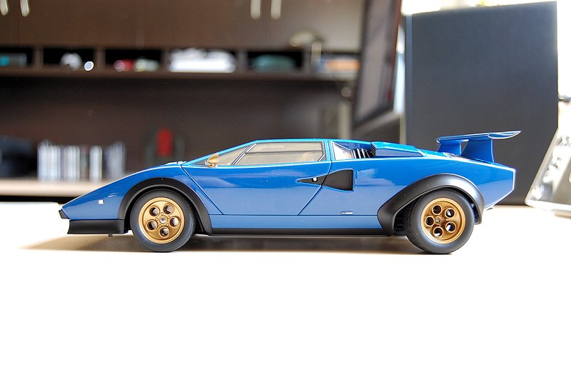 review autoart lamborghini countach walter wolf edition. Black Bedroom Furniture Sets. Home Design Ideas