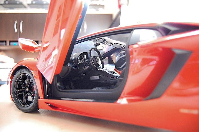 pocher_aventador22 & REVIEW: Pocher Lamborghini Aventador LP700-4 \u2022 DiecastSociety.com