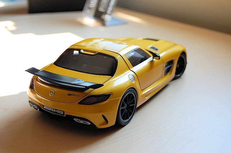 Mercedes Benz Sls Amg Review >> REVIEW: Minichamps Mercedes-Benz SLS AMG Coupe Black Series • DiecastSociety.com