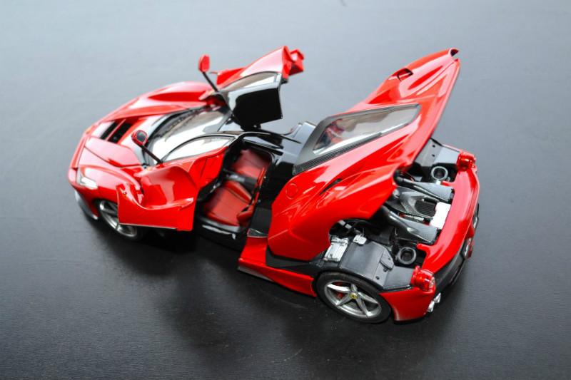 REVIEW: Hot Wheels Elite Ferrari LaFerrari • castSociety.com