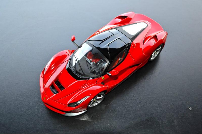 REVIEW Hot Wheels Elite Ferrari LaFerrari