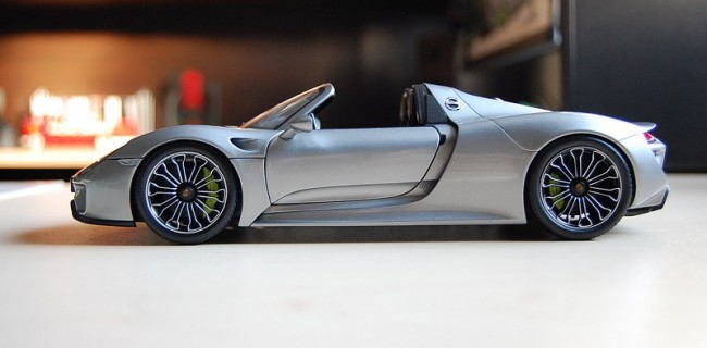 review minichamps dealer edition porsche 918 spyder. Black Bedroom Furniture Sets. Home Design Ideas