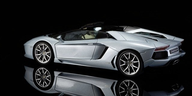 REVIEW: AUTOart Lamborghini Aventador LP700 4 Roadster