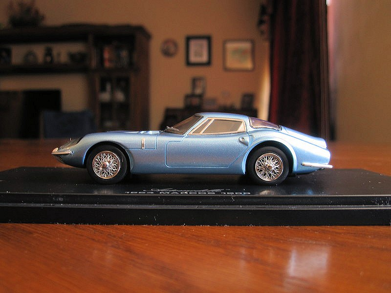 review_1964 Marcos 1800d