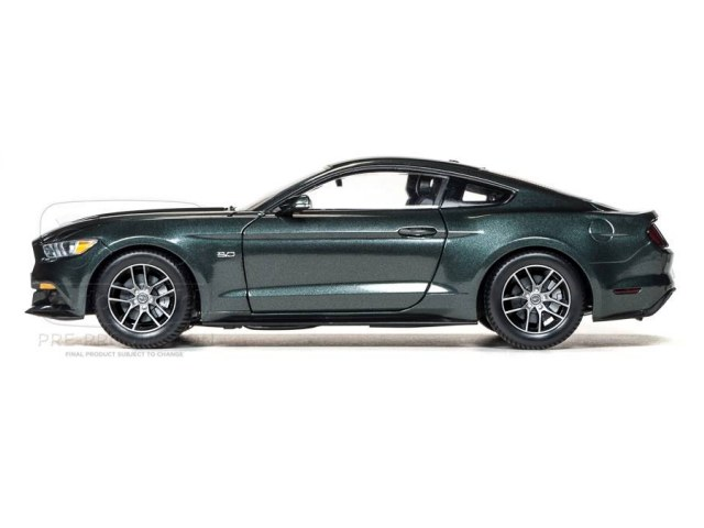 auto world 2015 mustang metallic guard green. Black Bedroom Furniture Sets. Home Design Ideas