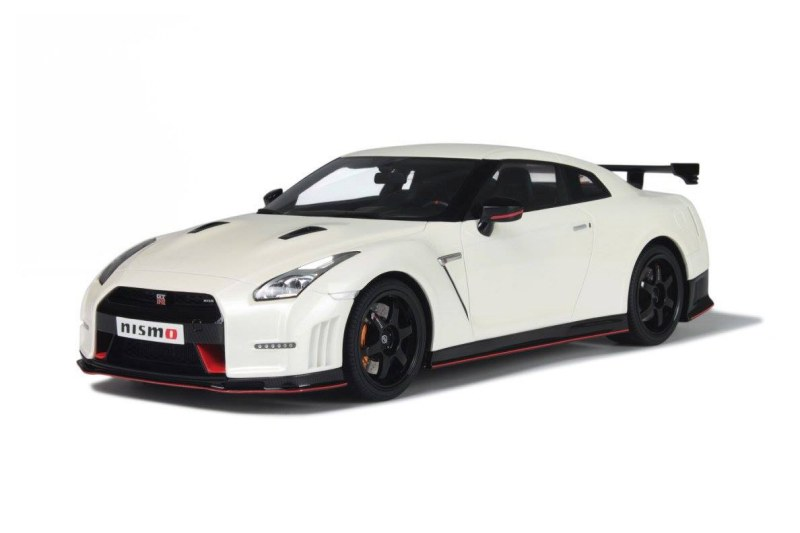 gt spirit new nissan gt r nismo. Black Bedroom Furniture Sets. Home Design Ideas