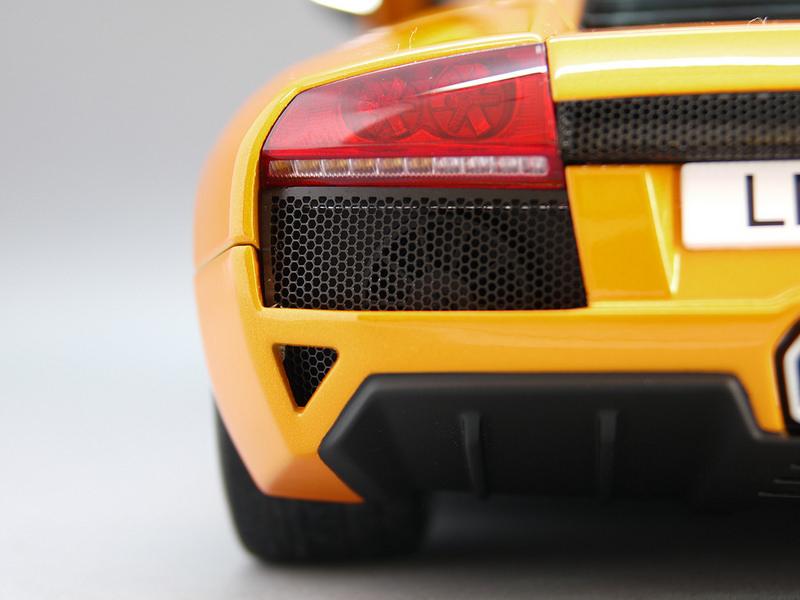 Lamborghini Murcielago LP64019
