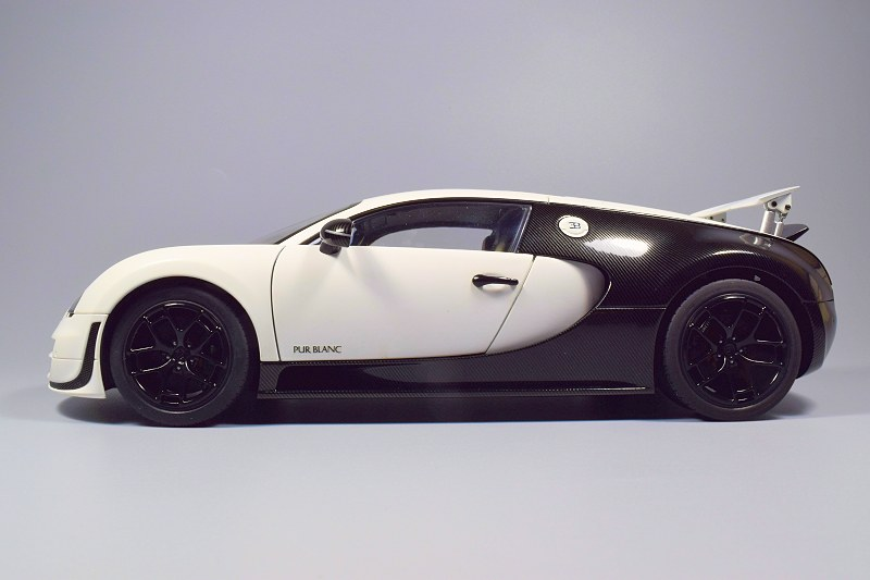 review autoart bugatti super sport pur blanc edition. Black Bedroom Furniture Sets. Home Design Ideas