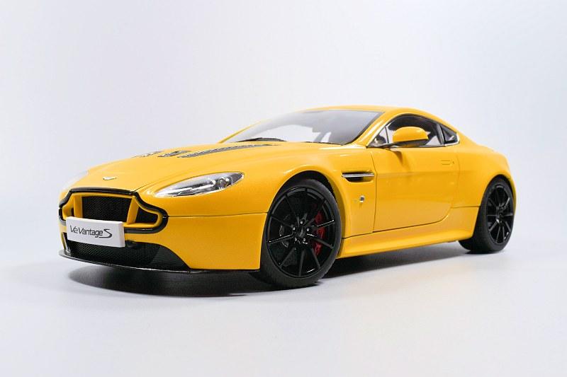 REVIEW: AUTOart Aston Martin V12 Vantage S ...