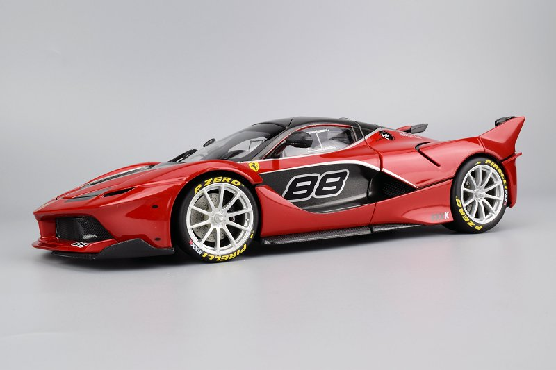 ferrari fxx k side view. from a packing stand point we once again are impressed with their exterior box; maybe the best in business visual and excitement standpoint. ferrari fxx k side view